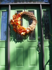 fall #4 front door and pot 016