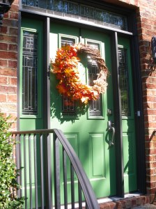 fall #4 front door and pot 017