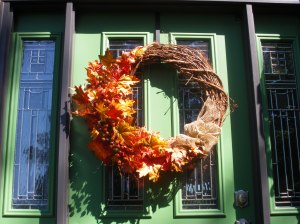fall #4 front door and pot 020